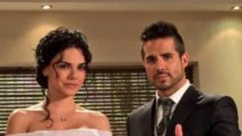 José y Livia tienen una excelente química, lo que hace más creíble su ro...