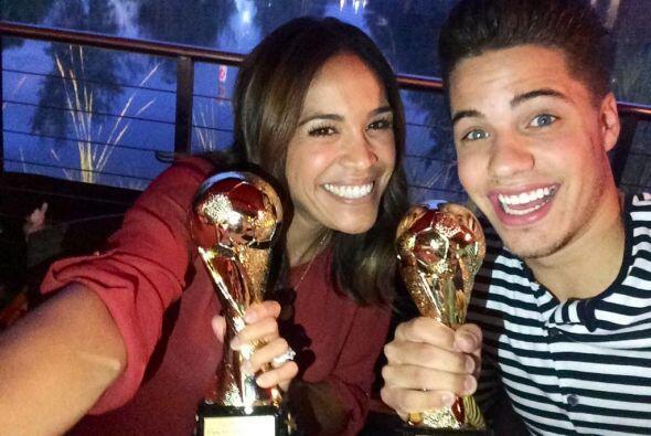 """""""Equipo campeón con mi @KarlaMartinezTV"""", dijo William. (Julio 19, 2014)"""