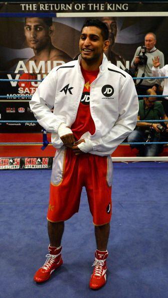 Khan viene de derrotar a Carlos Molina en 10 rounds en el Sport Arena de...