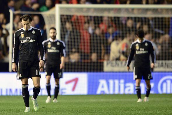 Real Madrid dejó en 22 partidos su récord sin derrota en el estadio de M...