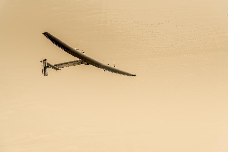 Sus alas miden de largo 236 pies (72 metros), más que las de un Boeing 7...