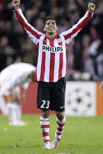 En las últimas dos décadas el fútbol mexicano y el holandés han tenido v...