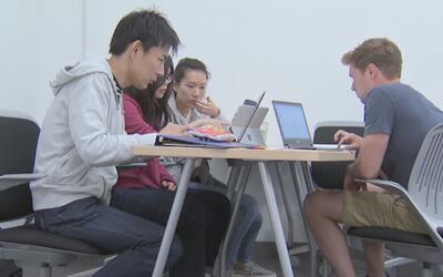 Ante la crisis por deudas universitarias, una escuela de California redu...