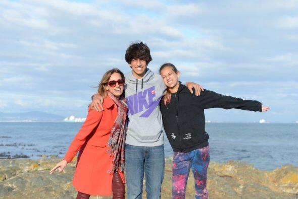 Lili Estefan celebró su aniversario, el cumpleaños de su marido y el de...