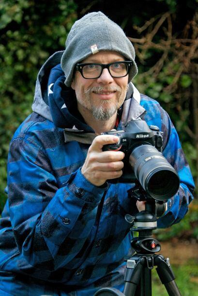 El fotográfo detrás de este montaje es Max Ellis de 51 años, quien pasó...