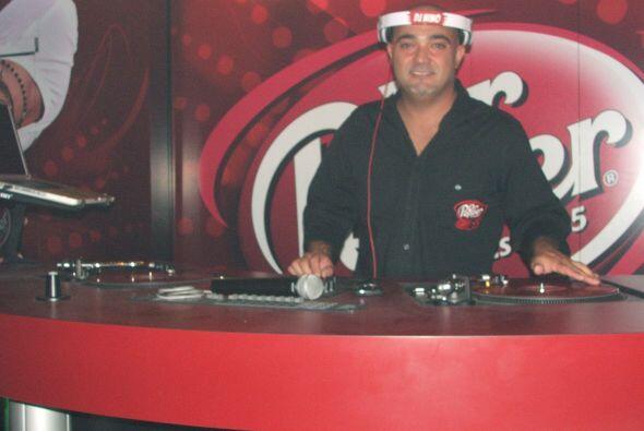 Este cuarto VIP tenía su propio DJ tocando los éxitos de Alexis y Fido.