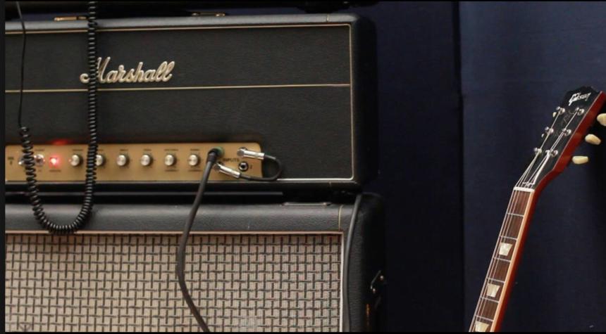 El número de serie de este amplificador se puede corroborar en un listad...