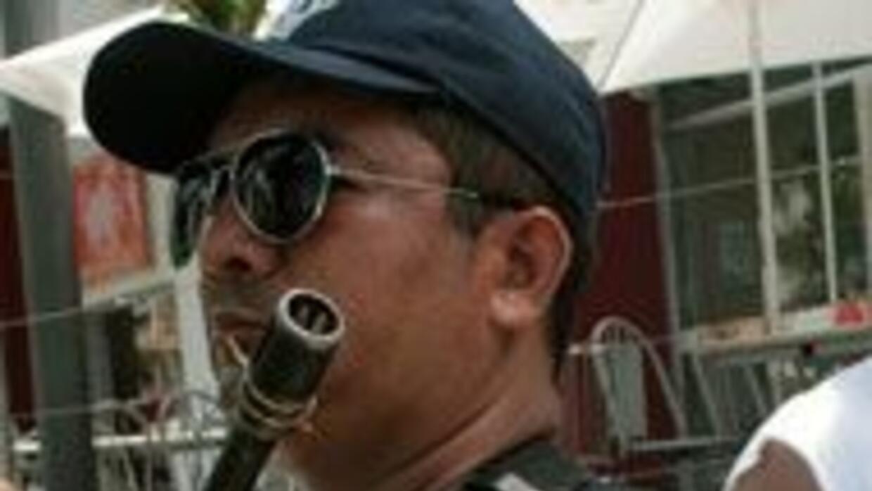 Detuvieron a 25 policías en Acapulco f7e9615861e745598657c113c34affa2.jpg