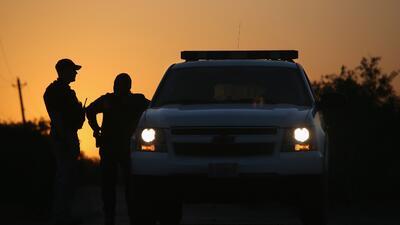 170 indocumentados se entregan a la Patrulla Fronteriza y saturan agencia del sur de Texas
