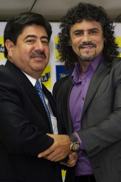 El señor de la izquierda es Luis Bedoya, presidente de la Comisión de Fú...
