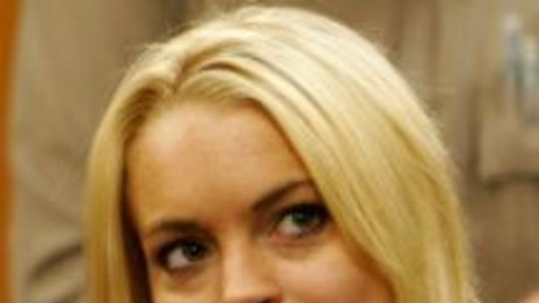 Después de haber dado positivo en una prueba antidrogas, Lindsay Lohan s...