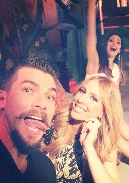 """""""#Backstage #selfie en @sabadogigante con @elilopeztv y no podía faltar..."""