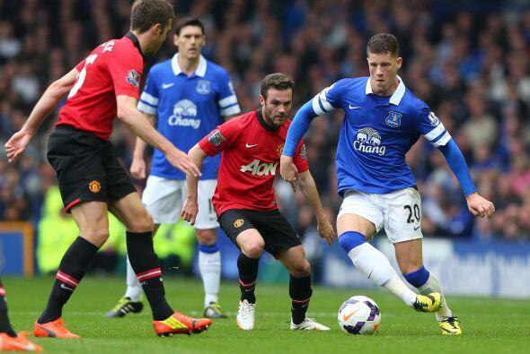 El Manchester United visitaba al Everton en un duelo en busca de puestos...