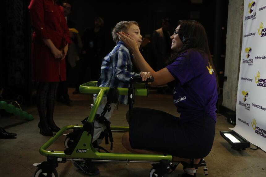 Livia Brito en Teletón USA 2015