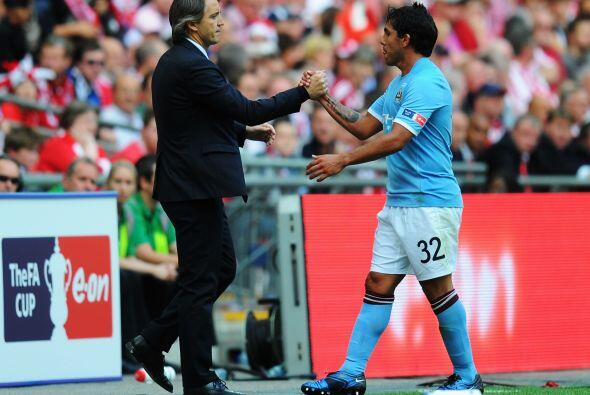 Y es que el fútbol es un deportes de amigos. Mancini y Tév...