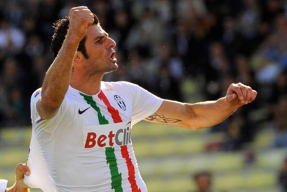 El primer gol del partido fue obra de Vincenzo Iaquinta a los 35 de la p...