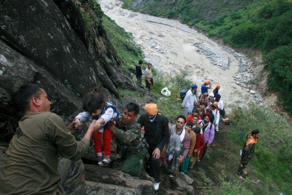 El número de fallecidos por las inundaciones producidas por las l...