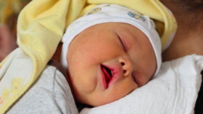 El pequeño Leo nació con síndrome de Down. Su padre decidió quedarse co...
