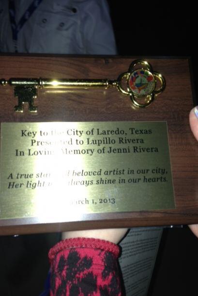 Además, en esta emotiva celebración, Lupillo Rivera ofreció concierto y...