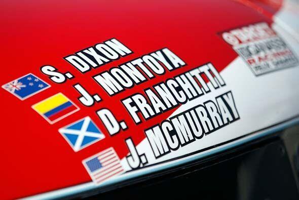 Y el Riley-BMW 02 tuvo a pilotos de Nueva Zelanda, Colombia, Escocia y E...
