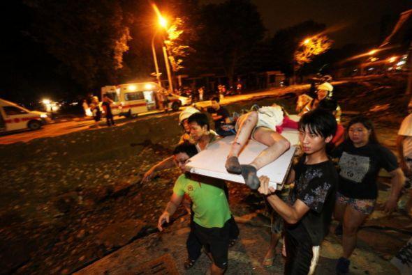 Las explosiones se han cobrado la vida de al menos 24 personas y dejaron...