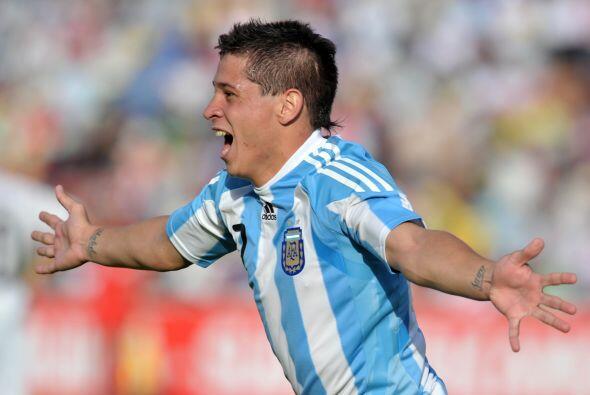 Un gol de Juan Manuel Iturbe en el último minuto de juego le dio a Argen...