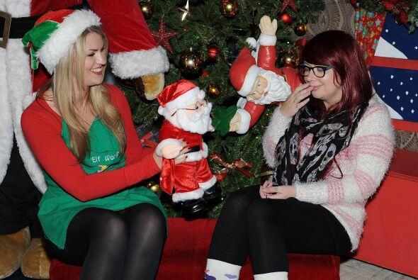 Ahora la pobre Stefanie no puede ver a ninguna figura de Papá Noel porqu...