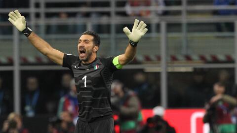 Buffon le pidió respeto a los fanáticos italianos en el himno de Suecia