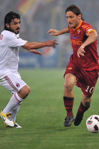 Gattuso y Totti, jugadores históricos del 'calcio', mantuvieron un duelo...