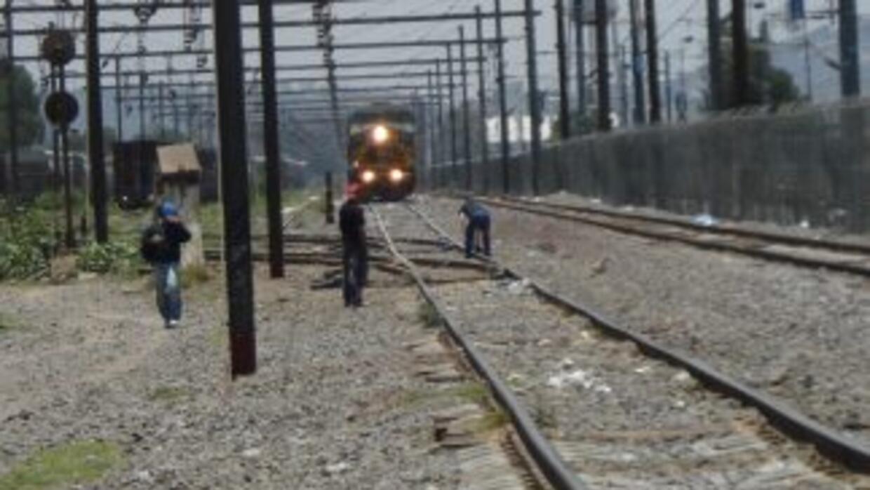 Según autoridades mexicanas, unos 500 mil emigrantes intentan cada año c...