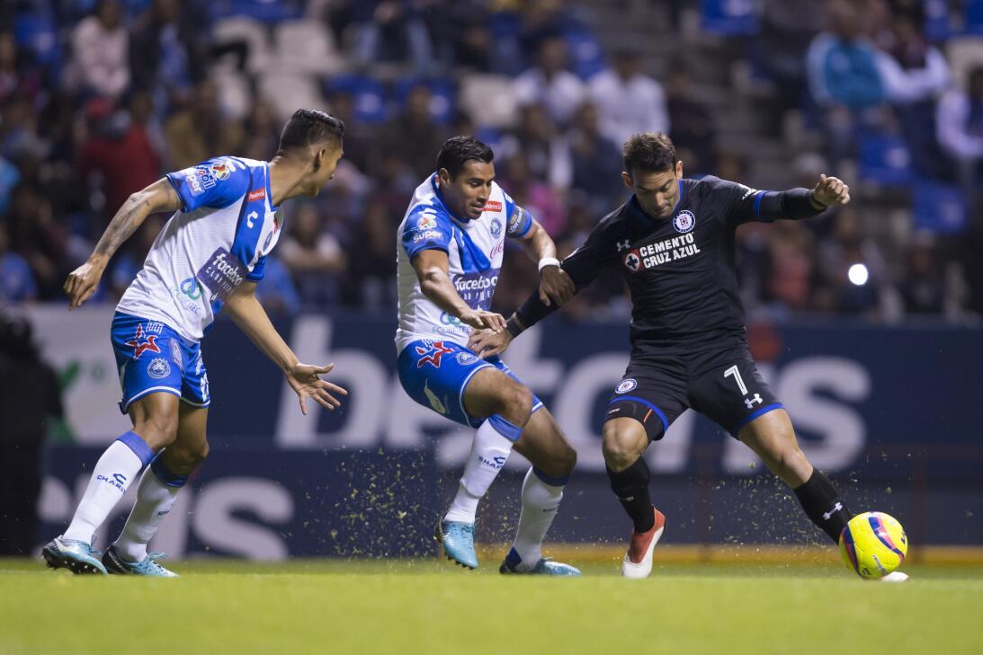 Cruz Azul venció a Puebla 2-0 en Copa MX 20180207-2227.jpg