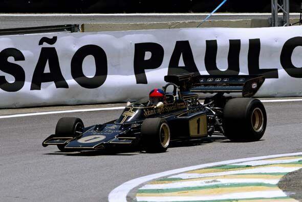 Fittipaldi, campeón de la Fórmula 1 en 1972 y 1974, mostr&...