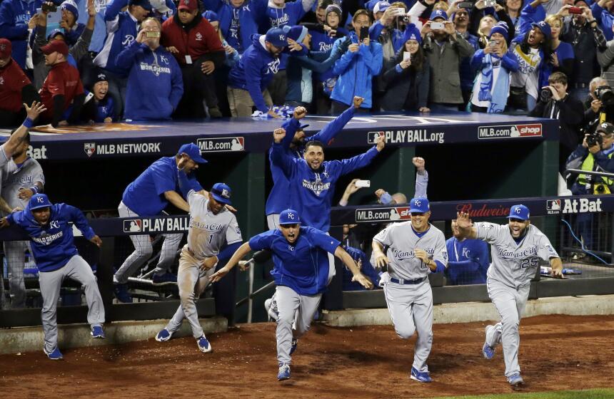 Royals de Kansas City ganan la Serie Mundial - El bateador emergente Chr...