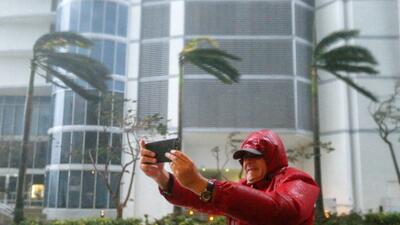 A pesar de las advertencias, hay quienes desafían al huracán Irma (FOTOS)