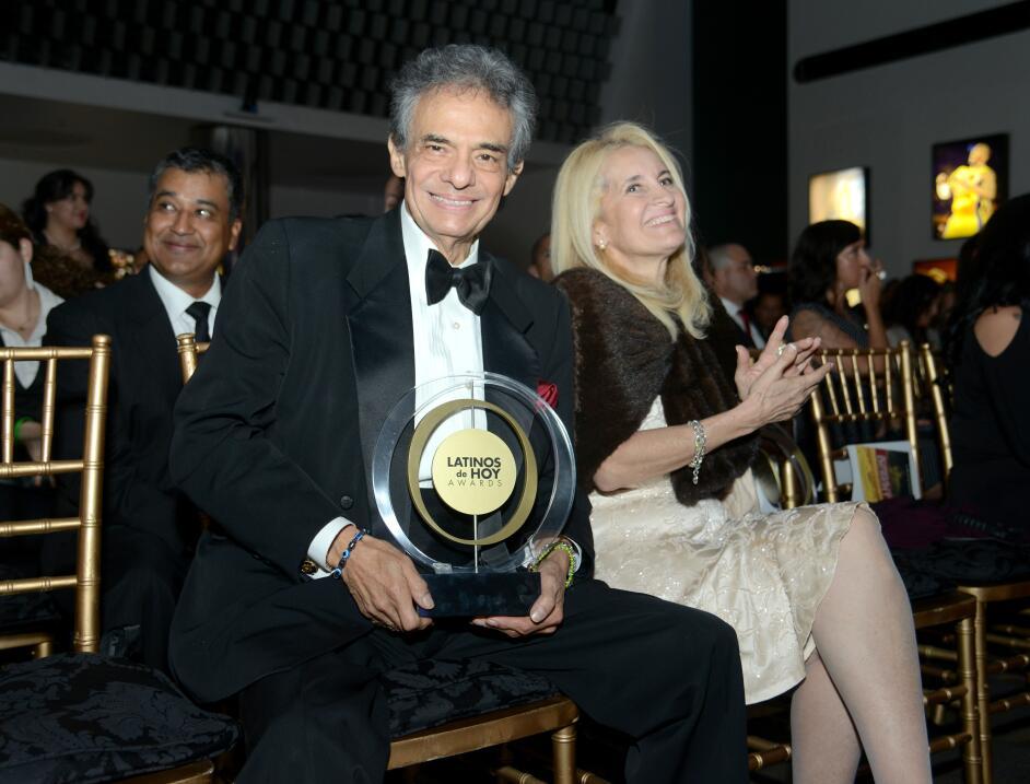 José José es galardonado con el Special Achievement in Mus...