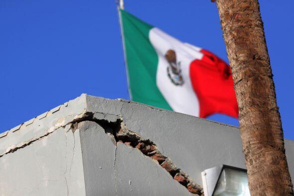 20 de marzo. Un sismo de magnitud 7.9 en la escala de Richter azota el c...