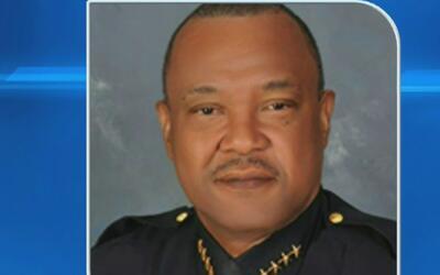 Fijan fecha de renuncia voluntaria al jefe de policía de North Miami por...