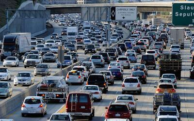 El tráfico de Los Ángeles le llega a costar a la ciudad un...
