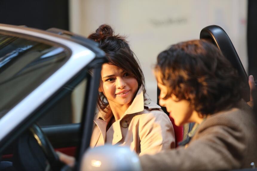 ¿Sorprendida? Ya contará Selena Gomez si su reacción formaba parte de la...