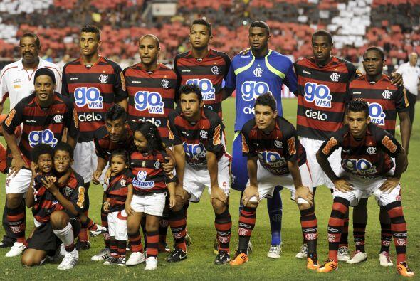 El nuevo equipo de Ronaldinho en Brasil luego de una década de jugar en...