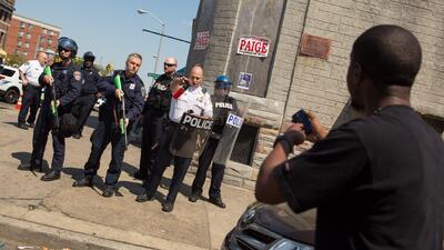 Las cámaras corporales para policías pueden registrar disputas y ayudar...