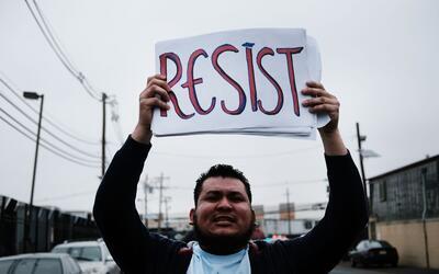 Protesta de activistas de inmigración en febrero a las puertas de...