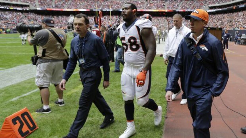 Von Miller será una baja dolorosa en la defensiva de Broncos (AP-NFL).