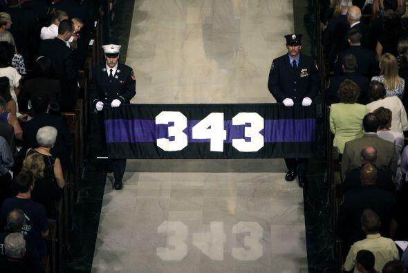 Bomberos del 9/11 honrados en San Patricio b1a093cadacf434aaa08be1252b76...
