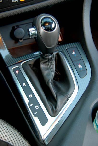 El Optima Turbo cuenta con transmisión automática de seis velocidades.