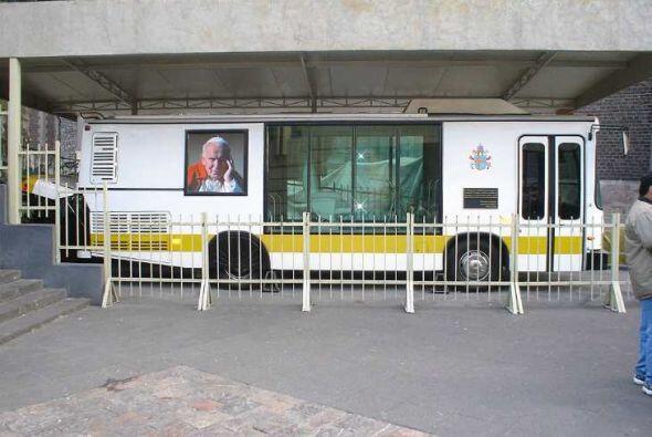 Dina:En enero de 1999, Juan Pablo II realizó su cuarta visita a México...