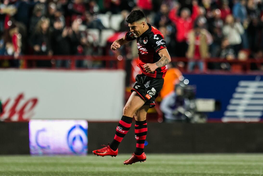 Luis Ángel Mendoza celebró el primer tanto del partido, a los 35 minutos...