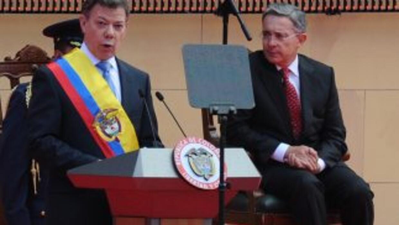 Juan Manuel Santos ya es el presidente número 59 de Colombia.