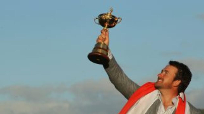 Tras un emocionante cierre, el campeón del US Open Graeme McDowell, dió...