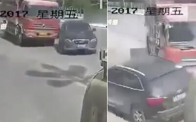 En Video: Camión aplasta a una Audi SUV en China